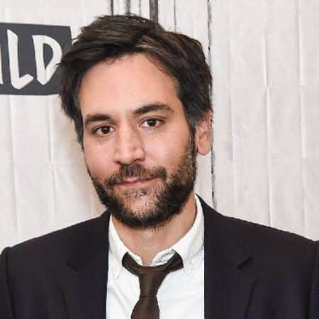 Josh Radnor played Ted Mosby for nine seasons on How I Met Your Mother.