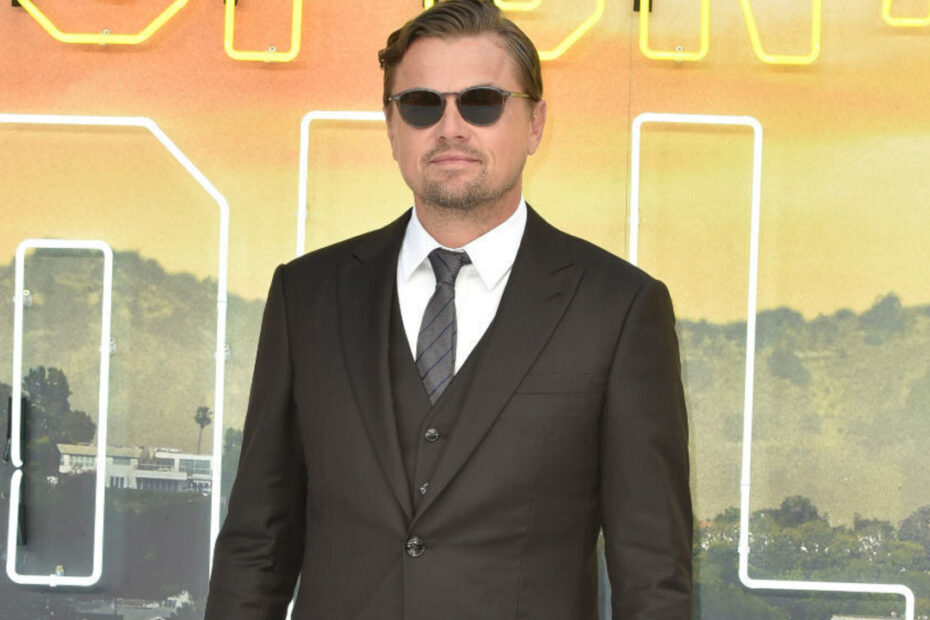 Leonardo DiCaprio has reportedly signed a three-film contract with the streaming giants Netflix.