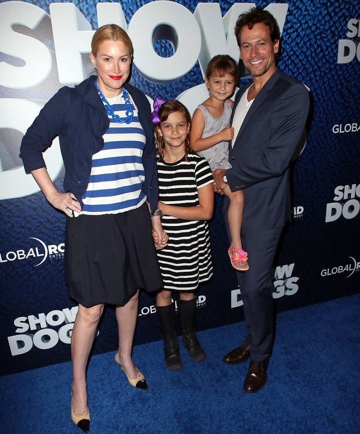 """Actors Alice Evans and Ioan Gruffudd and daughters attend the premiere of Global Road Entertainment's """"Show Dogs"""" at TCL Chinese 6 Theatres on May 5, 2018, in Hollywood, California."""