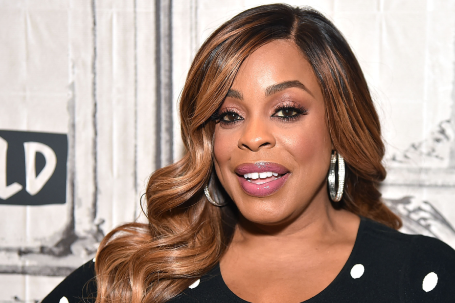 Niecy Nash Will Be Hosting GLAAD Media Awards' Virtual Ceremony