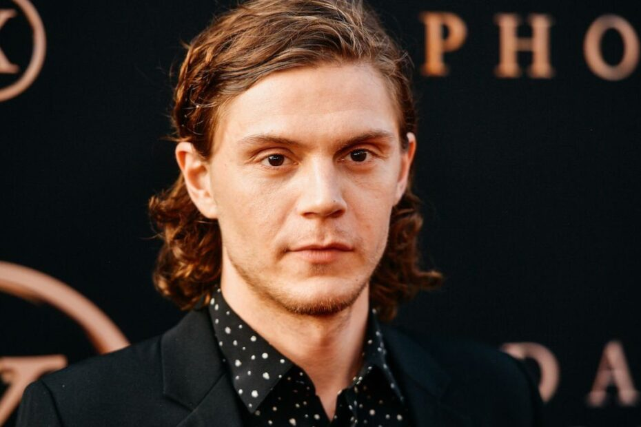 WandaVision's Evan Peters Cast as Serial Killer in New Netflix Miniseries 'Monster: The Jeffrey Dahmer Story'