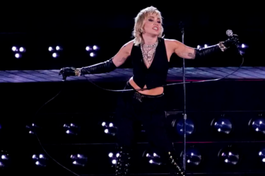 Miley Cyrus Performance Amazed Audience During Final Four Concert
