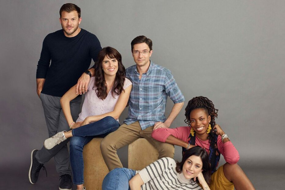 Topher Grace Impresses on His Return as Sitcom Lead in 'Home Economics'