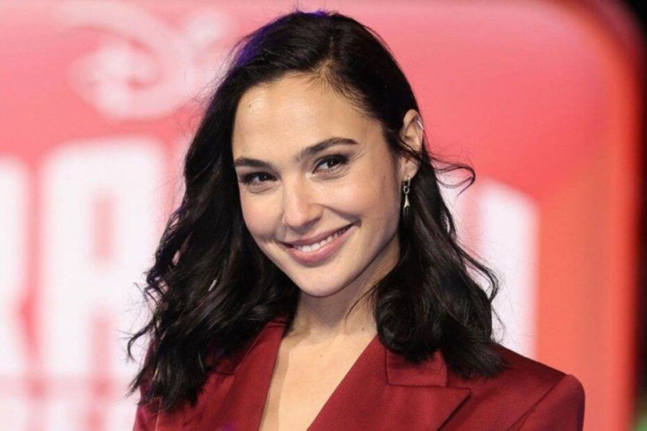 'Wonder Woman' Star Gal Gadot is Permanently Missing a Piece of Her Finger Thanks to Her Husband