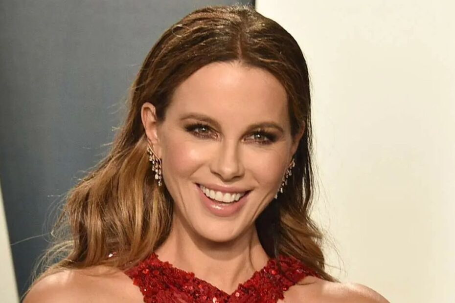 Kate Beckinsale Claims She's Never Gone on a Real Date in Her Life