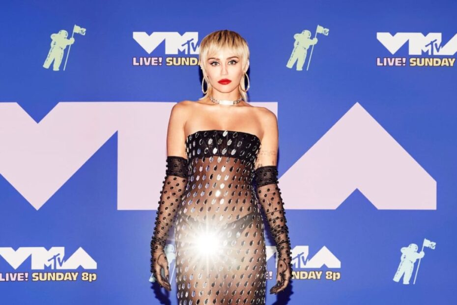 Miley Cyrus Generates $2 Million Profit By Selling New Home