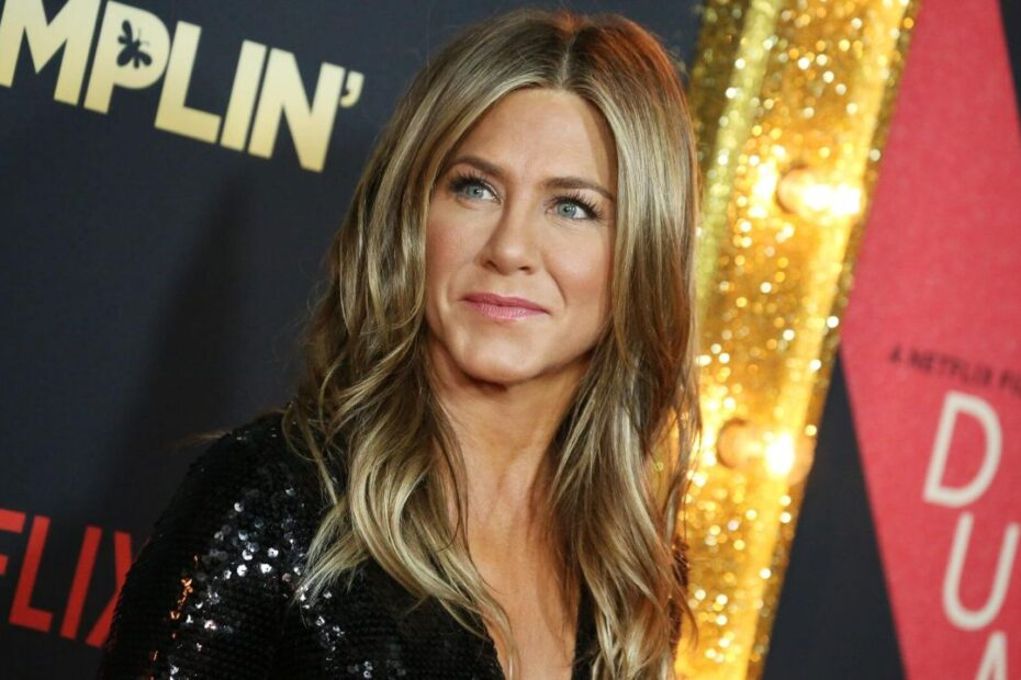 Jennifer Aniston Says She's Lost a Few Friends Due to Their Vaccine Status